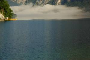 Bohinjsko-lake-fog-close